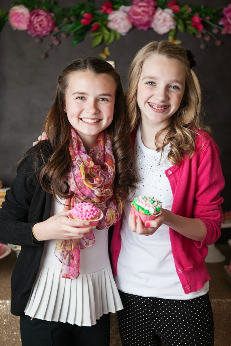decorated cupcakes - tween party ideas