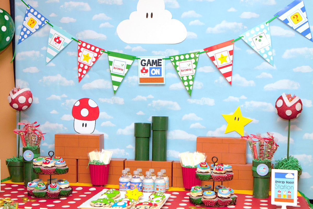 Mario brothers party ideas - table decorations