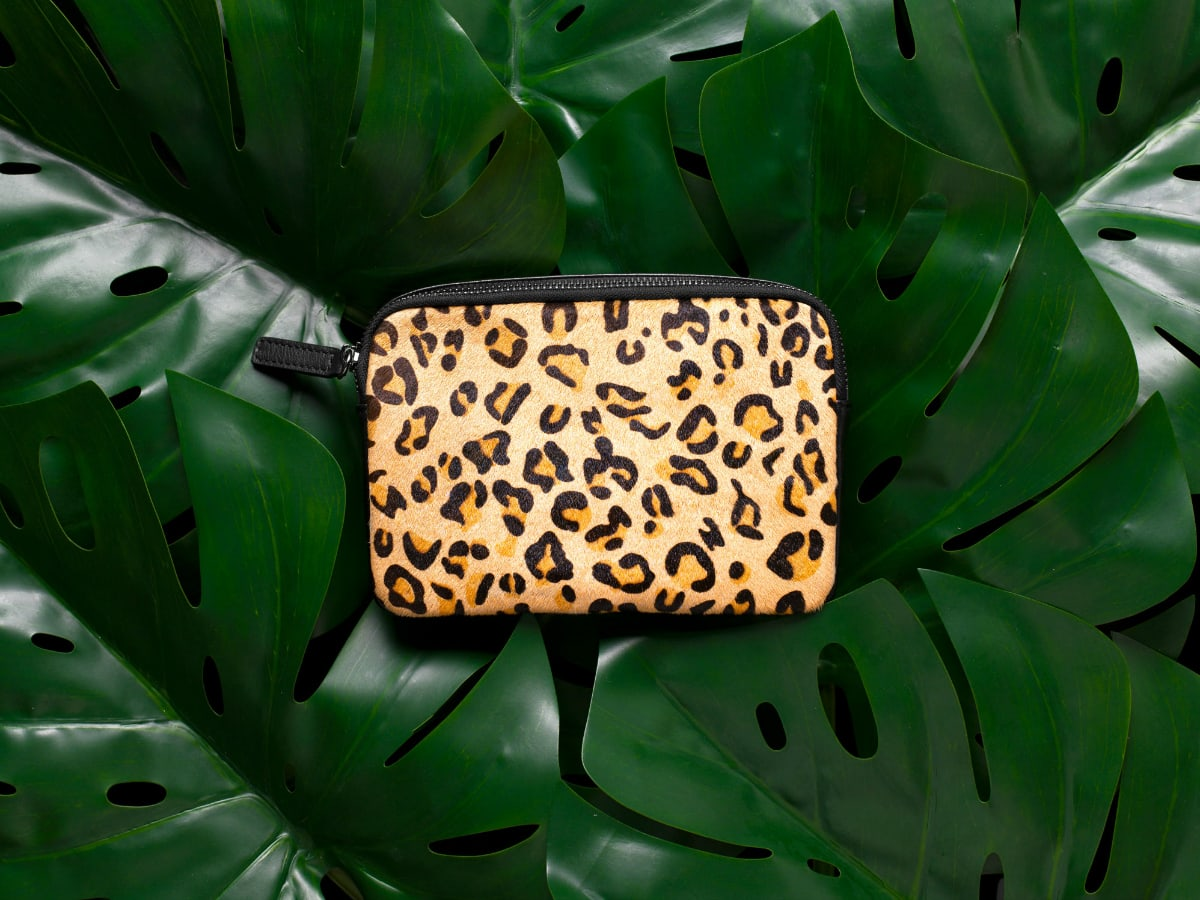 Jeunesse-Designs-leopard_body_bag_1200x900