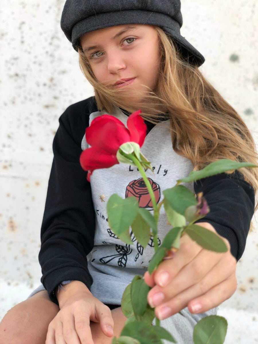 tween with rose