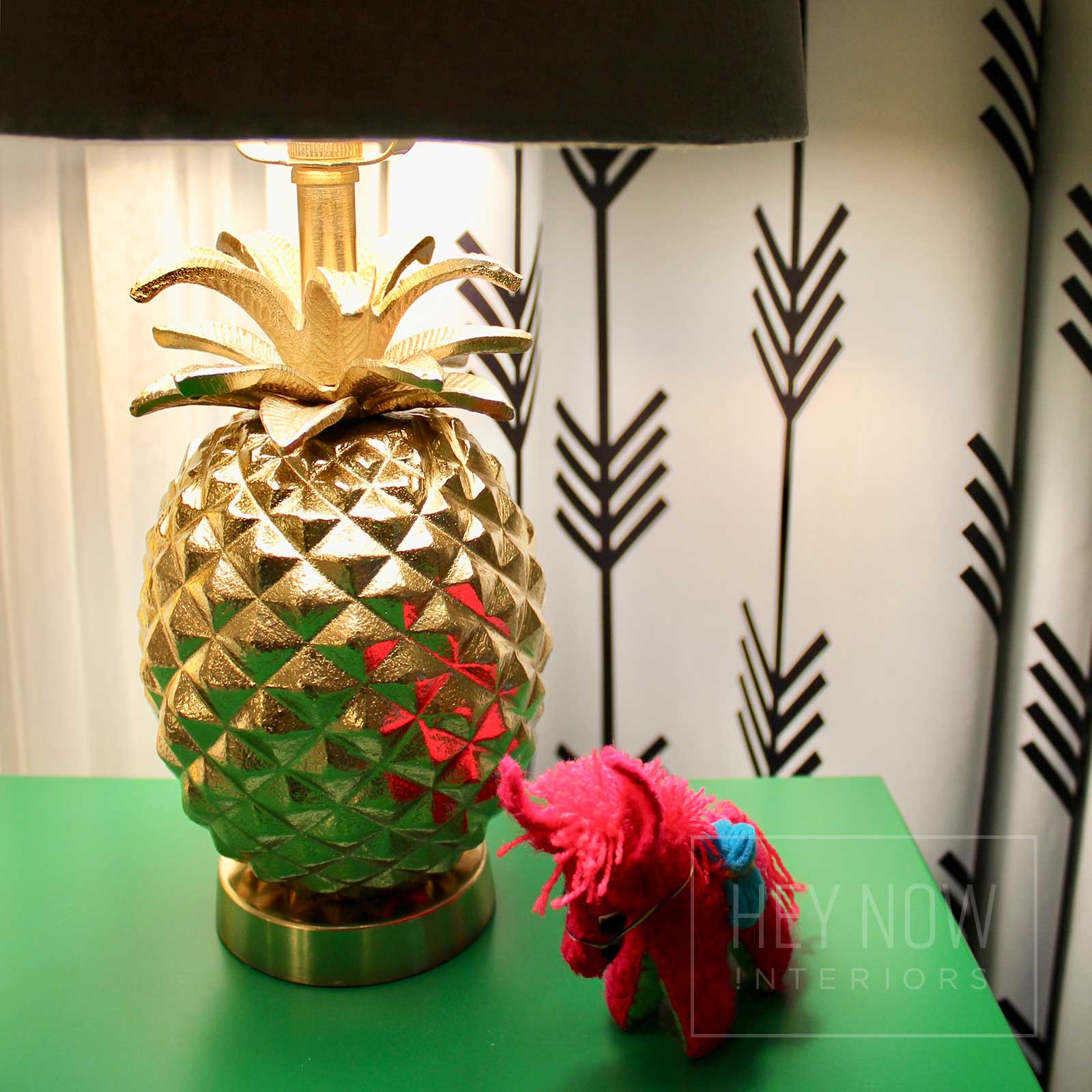 Pineapple desk lamp