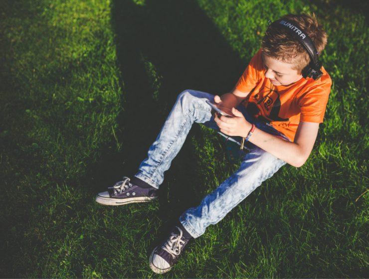 mobile phone safety for kids