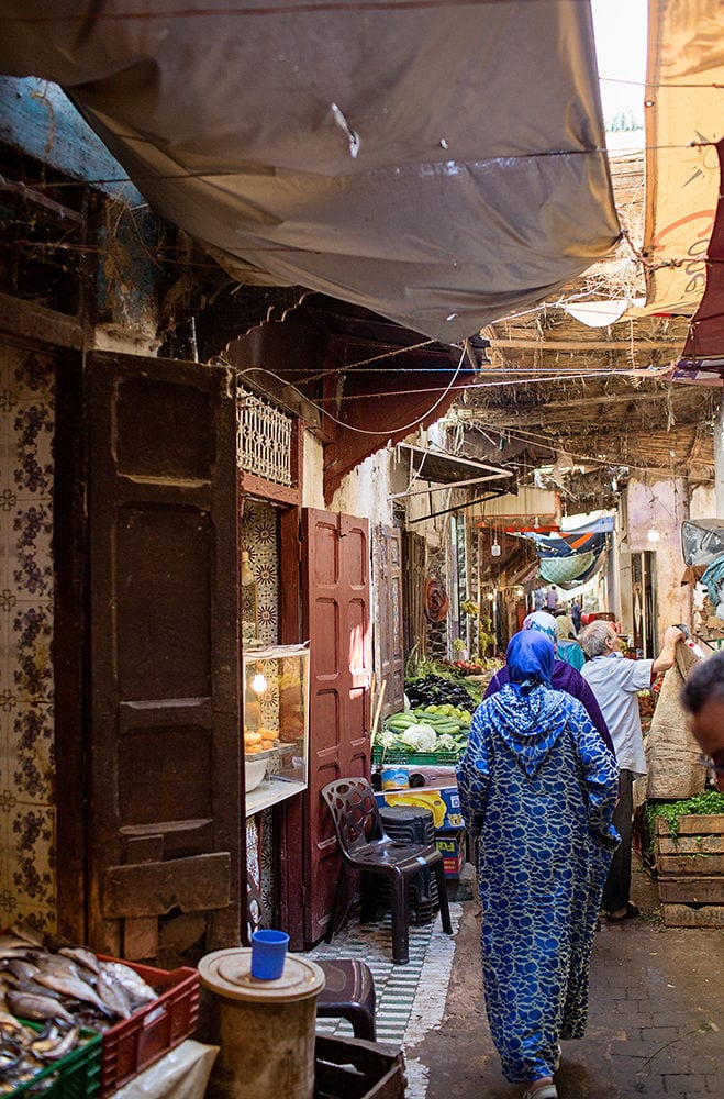 Worldschooling and walking through streets of Morocco