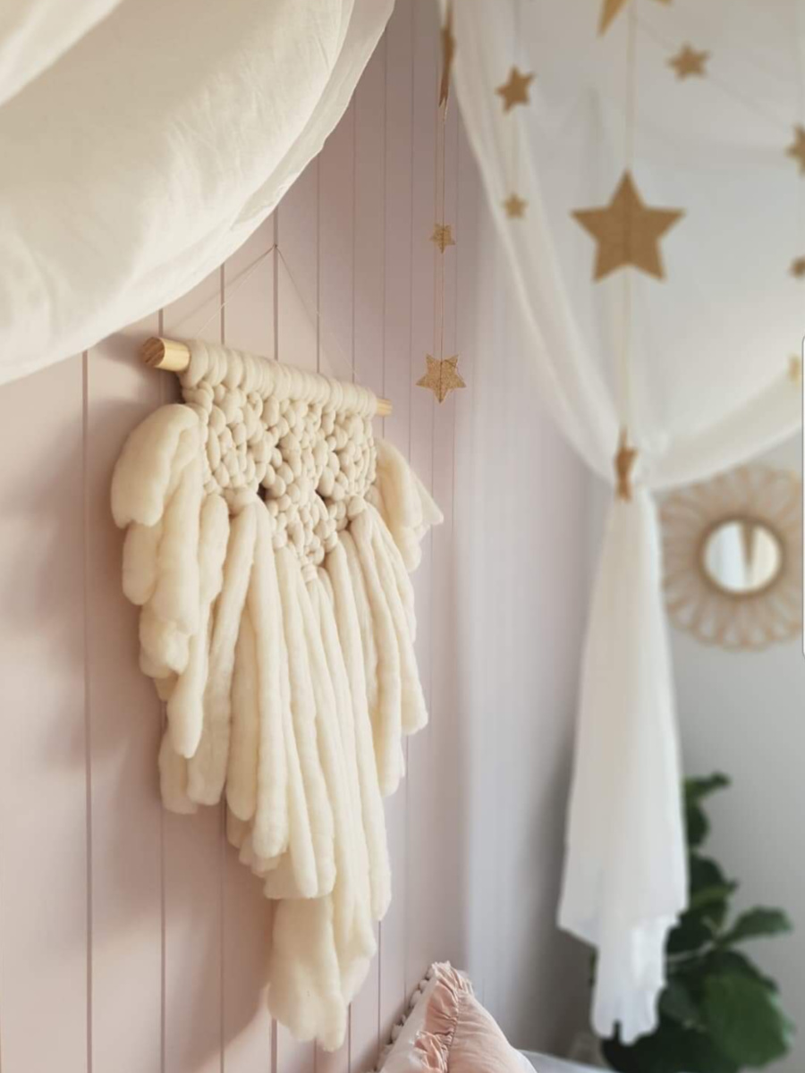 Tween Bedroom ideas - wool wall hanging